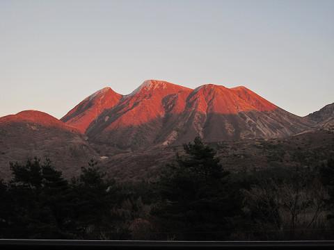 茜色の三俣山2011.11.21